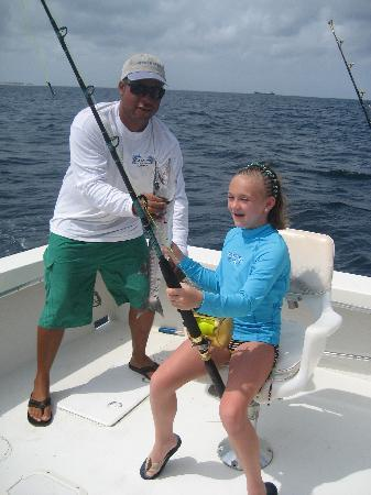 Marriott's Aruba Ocean Club: My daughter (now 12, then 10) about to catch a BARACUDA