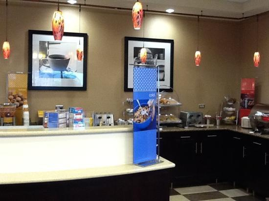 Hampton Inn Chambersburg : breakfast