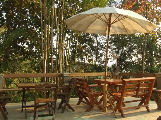 Janpha Cottage : ระเบียงกาแฟ