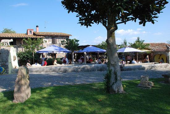 Tavoli all 39 aperto foto di ristorante l 39 acqua delle donne trevignano romano tripadvisor - Ristorante con tavoli all aperto roma ...