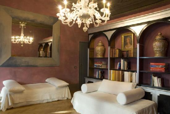 Florence Badkamer Plafond : N u guest house florence italië foto s reviews en