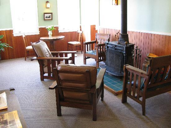 Coast Guard House Historic Inn: Main Common Area of the Inn