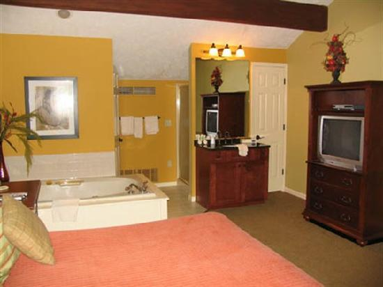 بوينتس نورث إن: 206 Upper bedroom