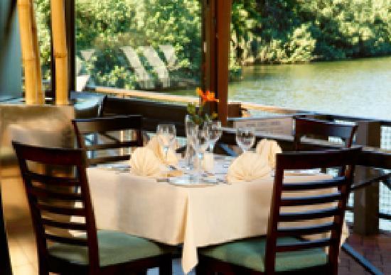San Lameer Resort Hotel & Spa: Restaurant at the 4-star Peermont Mondazur at San Lameer, KwaZulu-Natal