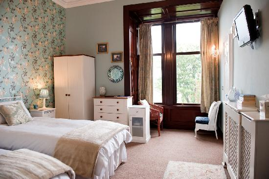 Hillcrest House: Solway - twin room