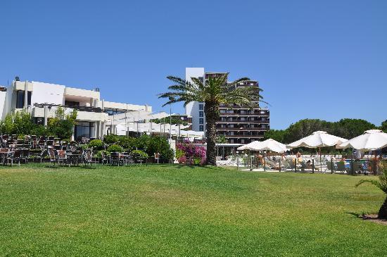 """Club Med Da Balaia: le restaurant et l'hotel """"la tour"""""""