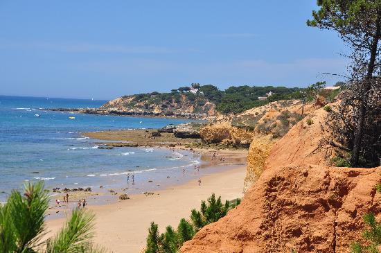 Club Med Da Balaia : la plage et ses falaises