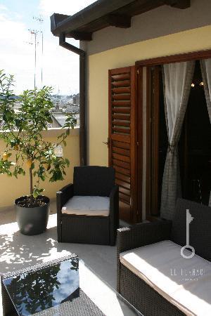 Le Fornaci Apartment : il terrazzo