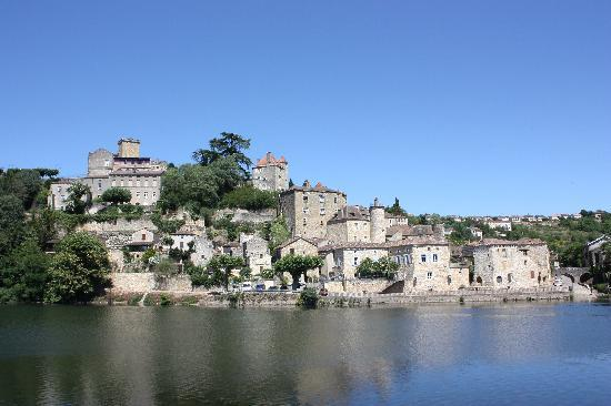 Hotels In Vire France