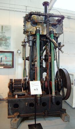 Hudson River Maritime Museum : steam engine