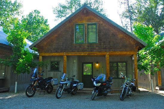 River's Edge Resort: Our cabin