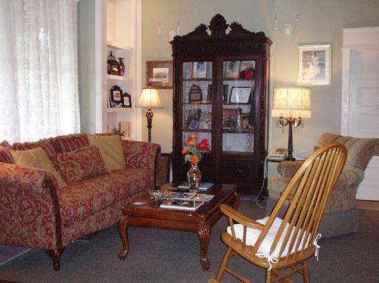 Hotel DeFuniak: Lobby area