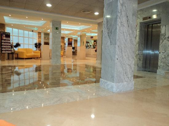 Servigroup Calypso: Foyer