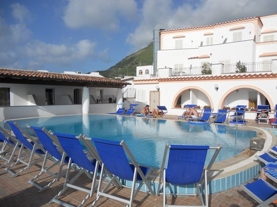 Hotel Tramonto d'Oro: Solarium e struttura