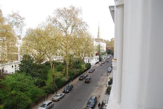 Cranley Gardens Hotel: finestra - strada
