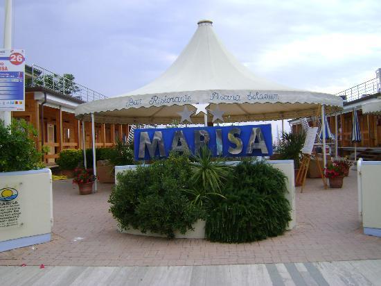 Bagno Marisa - Picture of Hotel Giulia, Lido Di Camaiore - TripAdvisor