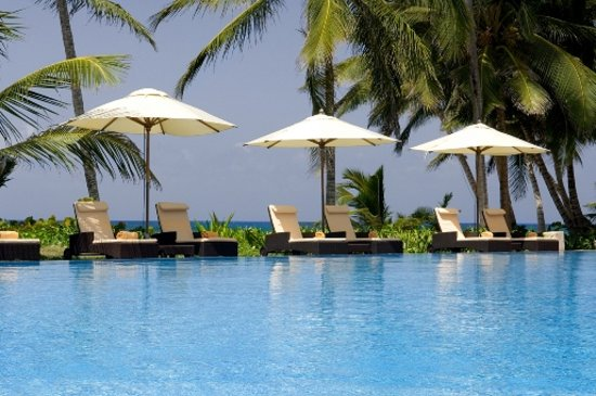Le Sivory By PortBlue Boutique Hotel: Infinity Edge Pool