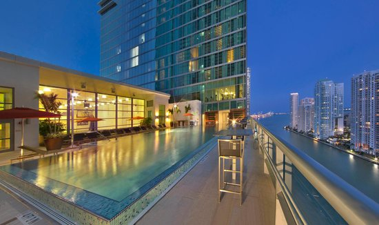 JW Marriott Marquis Miami: Sky Pool, 19th Floor