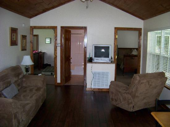 Inside Of 2 Bedroom Cottage 80a Picture Of Clabough 39 S Campground Pigeon Forge Tripadvisor