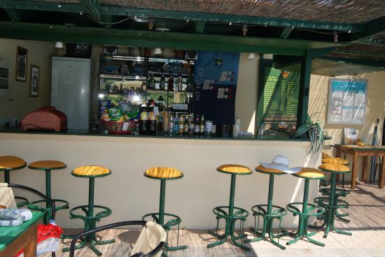 Bellino Apartments: bellino pool bar