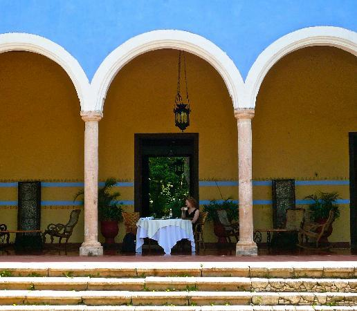 Hacienda Santa Rosa, A Luxury Collection Hotel, Santa Rosa: Morning coffee