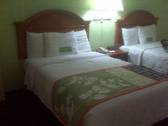 La Quinta Inn & Suites Tulsa Central: Nice beds