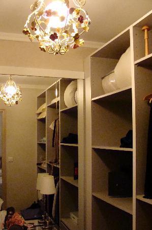 Mas Figoulon : Walkin closet