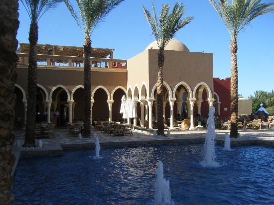 The Grand Makadi Hotel: Bar area
