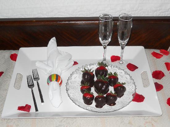Watergarden Inn at the Bay: Romantic Surprise