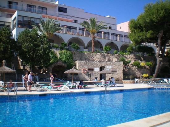 Hotel y Apartamentos Casablanca: view from pool