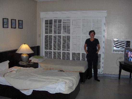 Mabini Mansion: Room