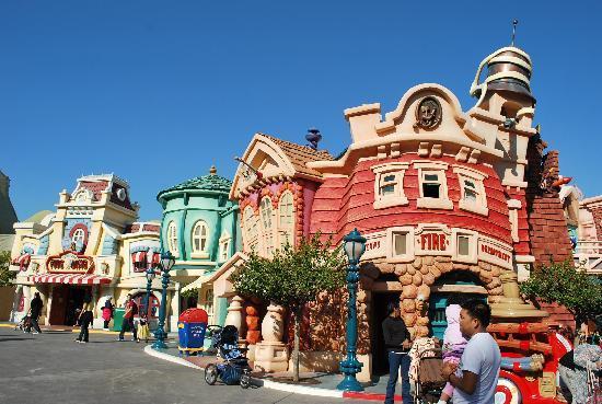 Disneyland Park: Mickey Town