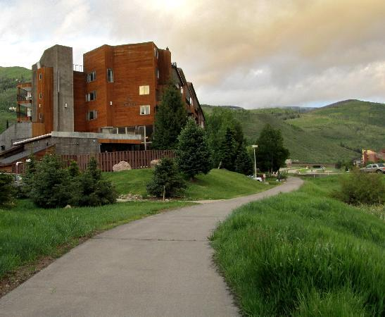Vail Run Resort: The Exterior