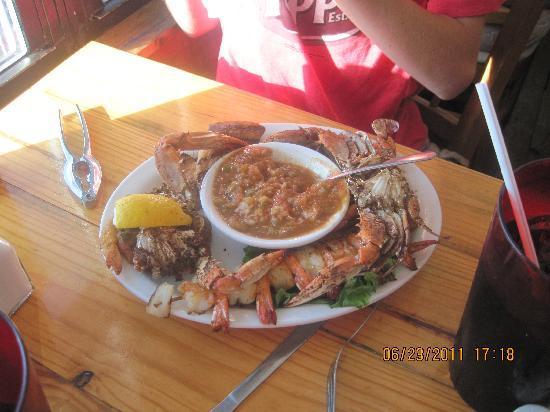 Stingaree Restaurant & Marina: seafood platter for 20.00