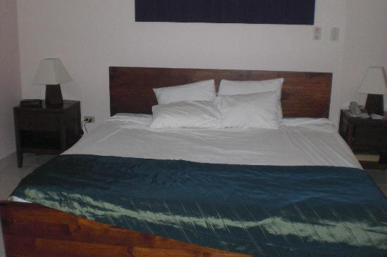 Chaguaramas, Trinidad: King Sized Bed
