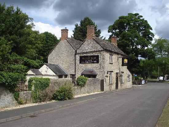 Blenheim Edge: A pub down the road (not the Turnpike)
