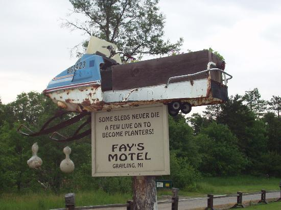 ‪‪Fay's Motel‬: Yep, this is Up North‬