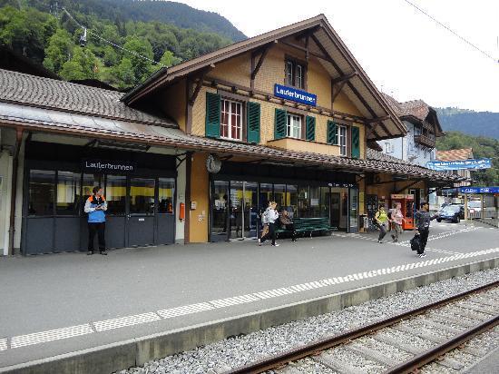 Hotel Horner: Lauterbrunnen station