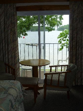 Shamrock Lodge: View from inside my room, looking out on the water.