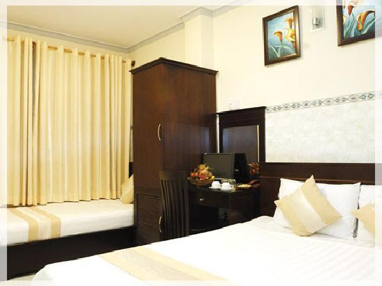 Graceful Saigon Hotel: Superior Room