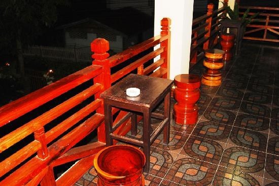 Namsok Hotel: Place for smoking, unfortunatelly next my room
