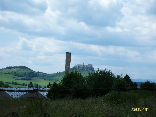 Penzion Ziva: veduta del Castello di Spis,dal balcone della camera