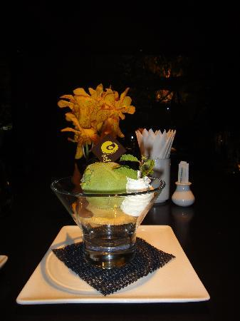 Koi Lounge Bangkok : green tea ice
