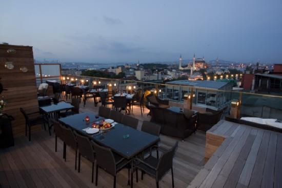 Burçkin Suites Hotel: teras