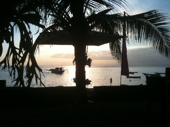 إنديانا كينانجا لوكشري فيلاز سبا آند: sun set
