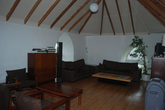 Eastward Guest House: lounge