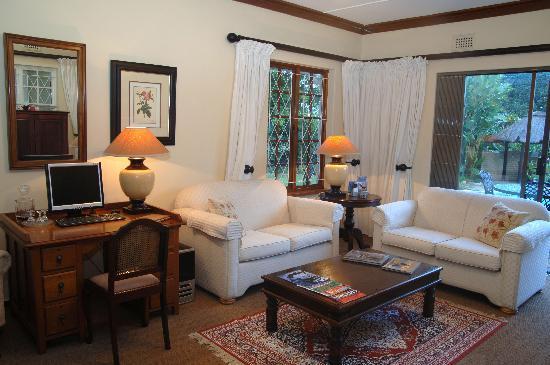 Sylvan Grove Guest House: Guest Lounge
