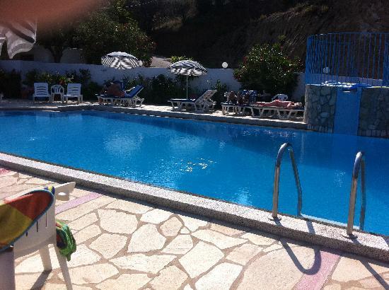 Filia Studios & Apartments: The beautiful pool
