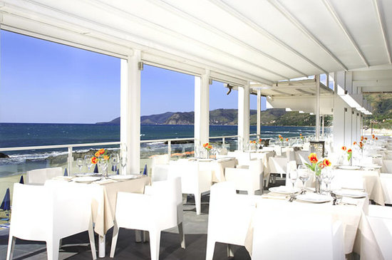 Acciaroli, Itália: Ristorante sulla terrazza Hotel La Playa