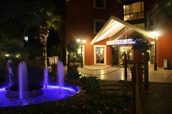 Club Aida: The entrance to the hotel